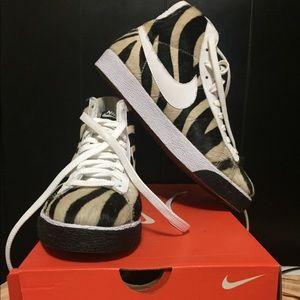 NIKE Nike WMNS Blazer Mid Premium Style# 316959 Sz